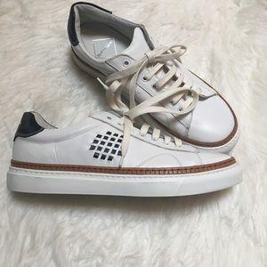 NWOB BePositive white leather men's sneaker 41